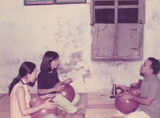 Ghatam lesson from Vinayakaram1975.jpg