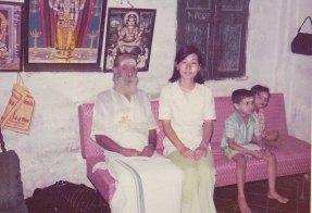 Harihara Sarma 先生と1975s.jpg